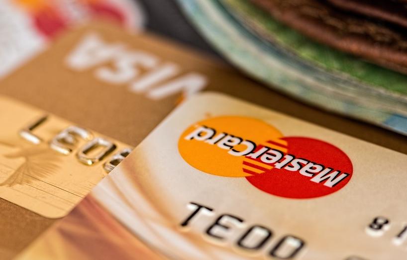 Rodzaje kart płatniczych  podsumuj swoją wiedzę na ten temat na blogu www.prostoopieniadzach.pl